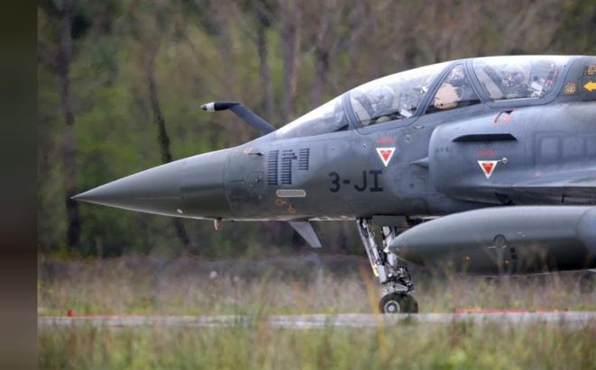 Un Mirage 2000. Des avions français ont bombardé, dimanche, un groupe armé rebelle dans le nord du Tchad. © Reuters