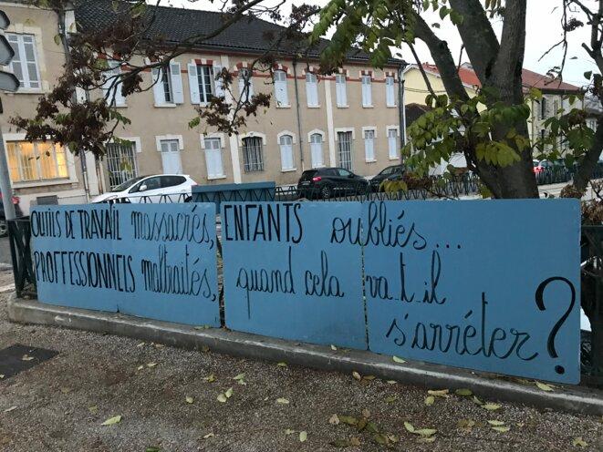 Sur un bâtiment d'une association de Sauvegarde de l'enfance, à Auch (Gers) [Photo YF]