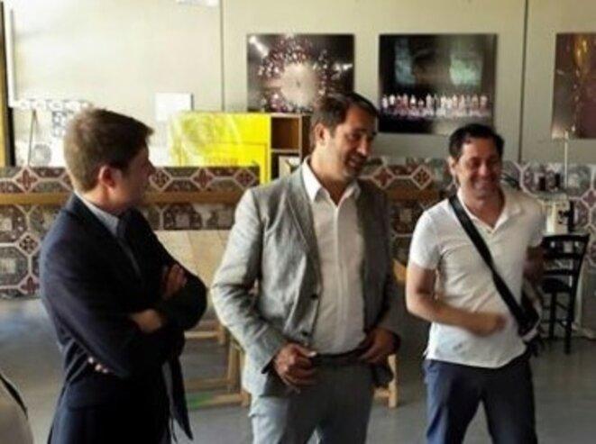 Paul Rondin, directeurvadjoint du festival d'Avignon, Christoiphe Castaner et Olivier Py : les meilleurs copains du monde.