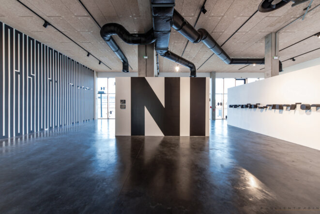 "Tania Mouraud, Ve de l'exposition ""Ecriture(s)"", Hangar 107, Rouen, 2019 © Julien Tragin"