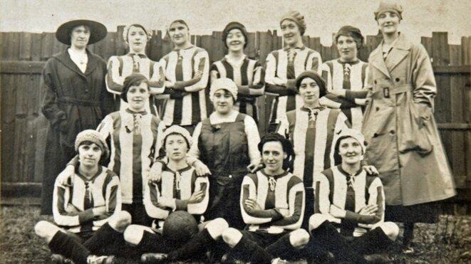 L'équipe des Dick Kerr Ladies en 1917