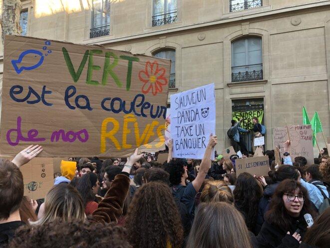 Manifestation lycéenne et étudiante pour le climat, le 15 février 2019. © MJ