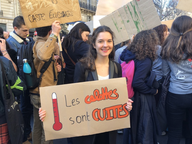 Amélie, étudiante à Dauphine, lors de la manifestation lycéenne et étudiante pour le climat, le 15 février 2019. © MJ