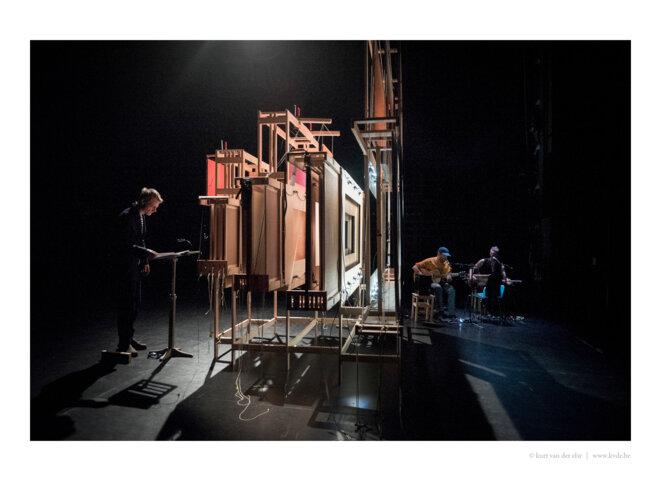 """Scène de """"Chansonnette pour Gigi"""" © Kurt van Der Elst"""