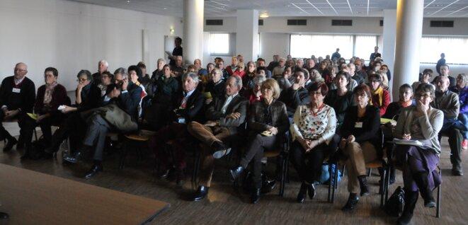 Environ 130 personnes très intéressées par le projet d'installation d'éoliennes à Ruffec sont venues pour la réunion publique du 16 février © F.S.