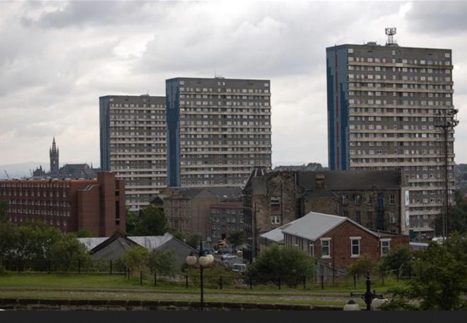 Quartier populaire à Glasgow. © Geograph / Paul McIlroy