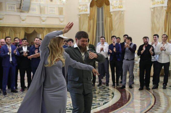 Elizaveta Peskova en compagnie de Ramzan Kadyrov - Post du 17 juillet 2017, 6.439 likes © Elizaveta Peskova - @stpellegrino sur Instagram