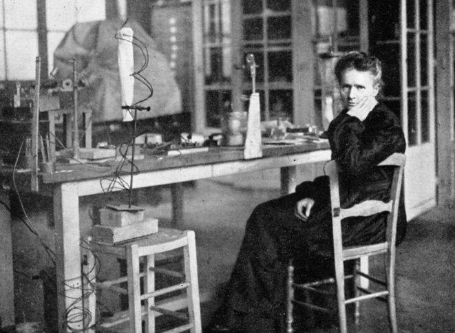 Marie Curie : la femme scientifique la plus (sinon la seule) connue. Mais il ne sera pas question d'elle ici !