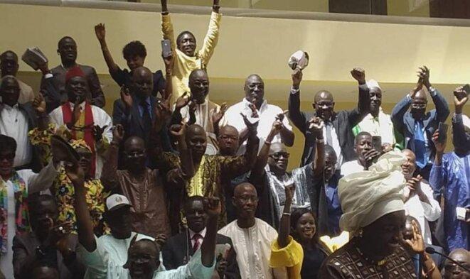Explosion de joie des partisans de Macky Sall