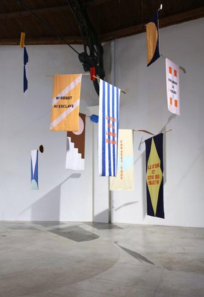"""Martine Feipel et Jean Bechameil, """"Ni robot n esclave"""", 2019, La Patinoire Royale / Galerie Valerie Bach © Martine Feipel et Jean Bechameil, courtesy galerie Valérie Bach, Bruxelles"""