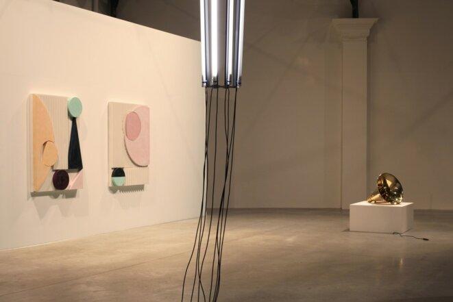 """Martine Feipel et Jean Bechameil, vue de l'exposition """"Automatic revolution"""", 2019, La Patinoire Royale / Galerie Valerie Bach © Martine Feipel et Jean Bechameil, courtesy galerie Valérie Bach, Bruxelles"""