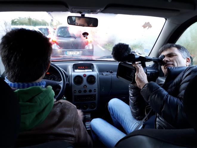 François Ruffin et Gilles Perret, en plein tournage. © Jour2Fête