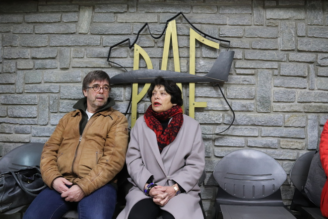 Les écologistes Damien Carême (maire de Grande-Synthe) et Michèle Rivasi (eurodéputée), à l'accueil de la police aux frontières de Montgenèvre © MM