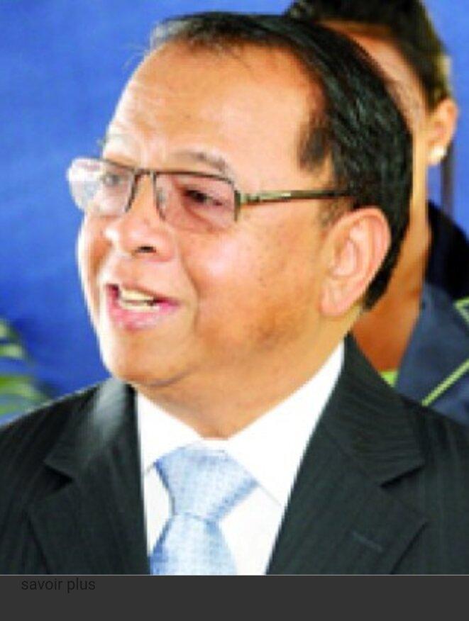 Feu Guy Ratovondrahona, Dg de la banqie Centrale malgache, mort d'attaque cardiaque, version contestée par la famille.