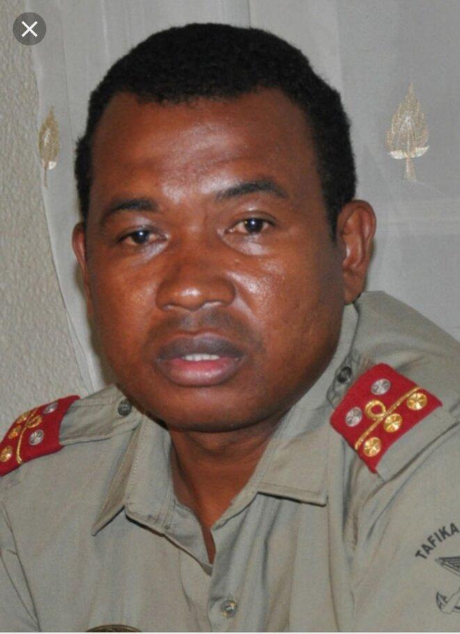 Colonel Charles Andrianasoavina, évacué à l'île de la Reunion suite à une tentative d'empoisonnement à la prison d'Etat de Tsiafahy, suite à sa délation qui incriminait Andrinirina Rajoelina et consorts sur l'homicide du 07 Février 2009.