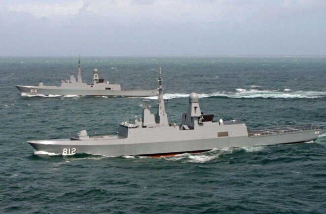 Les bâtiments « al-Riyadh » et « al-Dammam », deux des trois frégates F3000 livrées aux Royal Saudi Naval Forces entre 2002 et 2004 © Naval Group