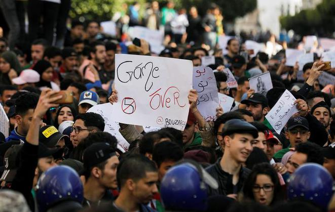Manifestation d'étudiants à Alger, le 5 mars 2019. © Reuters
