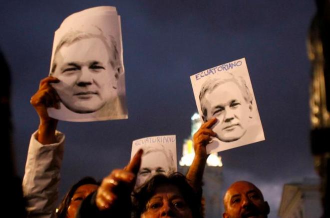 Manifestation pour l'asile politique de Julian Assange en Équateur à Quito, le 31 octobre 2018. © Reuters