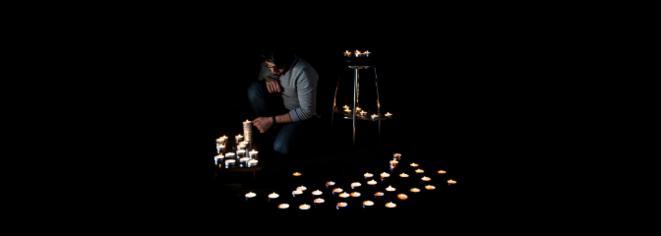 Ahmad Helmi rend hommage aux Syriens morts en détention © DR