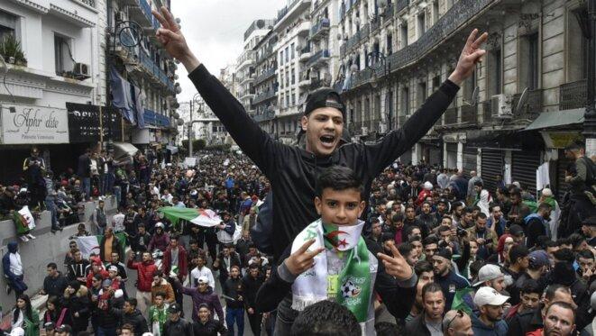 algerie-manif8mars-mareehumaine