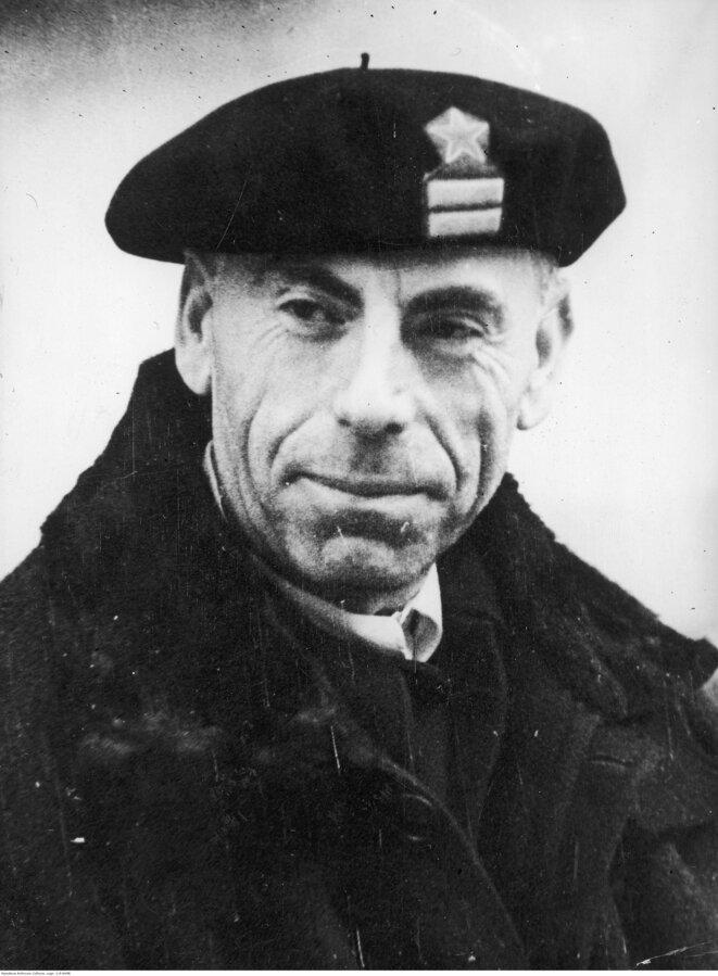 Antonio Ortega Gutiérrez, communiste et républicain, est président du club de 1937 à 1938