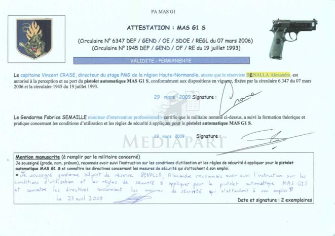 L'attestation de formation au pistolet automatique signée de la main du gendarme Vincent Crase. © Document Mediapart