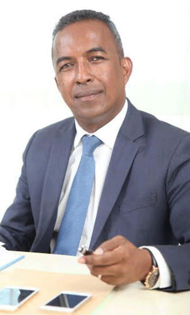 Ministre des projets présidentiels, de l'aménagement du territoire et de l'équipement, Narson Rafidimanana, non reconduit lors du remaniement du Gouvernement Solonandrasana Mahafaly, pour des raisons suspectes.