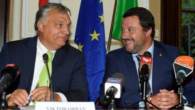 Viktor Orban et Matteo Salvini, le 29 août 2018, à Milan. © REUTERS/Massimo Pinca