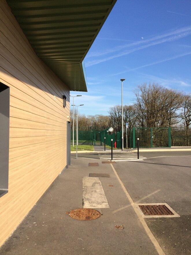 Centre pénitentiaire de Beauvais, Accueil des familles, mars 2019 © Max Fraisier-Roux