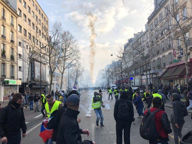 Sur le boulevard de Strasbourg, à Paris, samedi 23 mars. © KL