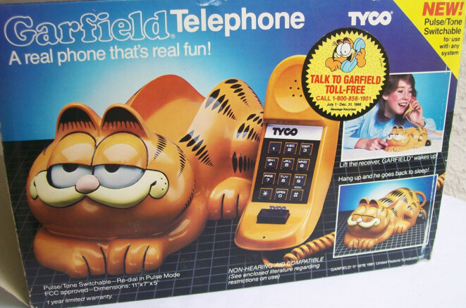 tyco-garfield-phone-package
