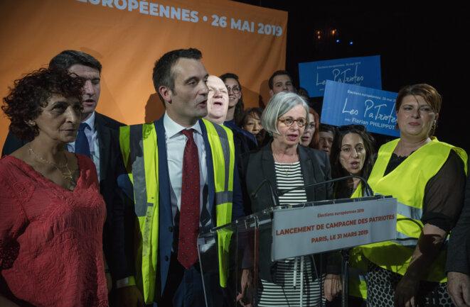 Florian Philippot avec des Gilets Jaunes lors de son meeting de lancement des européennes, 31 mars 2019 © Romain Thomann