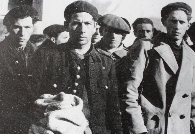 Maquisards des Glières prisonniers de la milice de Vichy © Collection NBC