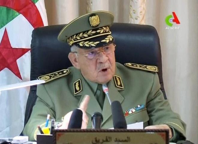 El general Gaïd Salah en una intervención en la tele argelina, el 2 de abril. © Canal Algérie