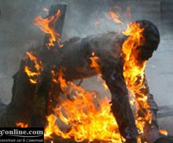Des brûlés vivants, sacrifiés pour provoquer la chute de Marc Ravalomanana, l'opération avait été une reussite, car la population avait été dégoutée des morts tués par balles. Marc Ravalomanana accusé à tort. Il a fallu que le Lieutenant-colonel Charles Andrianasoavina dévoile la vérité sur le genocide du lundi noir pour qu'une partie de la population éprouve de nouveau confiance à M.Ravalomanana