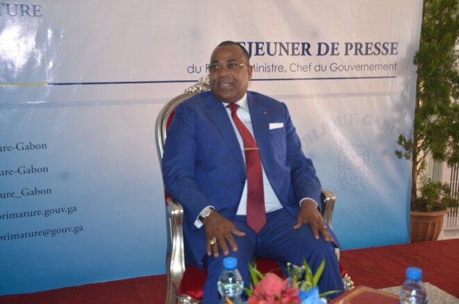 Le Premier ministre, M. Julien Nkoghe Bekale face à la presse