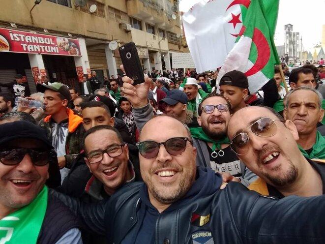 À Blida, lors de la marche du 5 avril. © (dr)