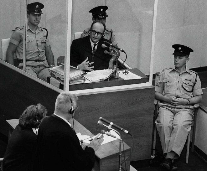 adolf-eichmann-in-box