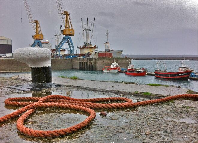 Un quai à Brest sous l'orage © P. Morel