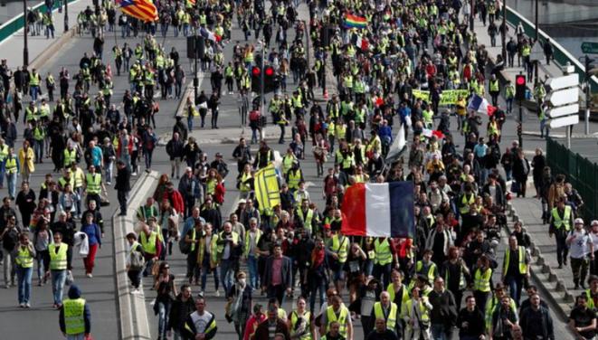 Manifestation de gilets jaunes à Paris, le 6 avril. © Reuters