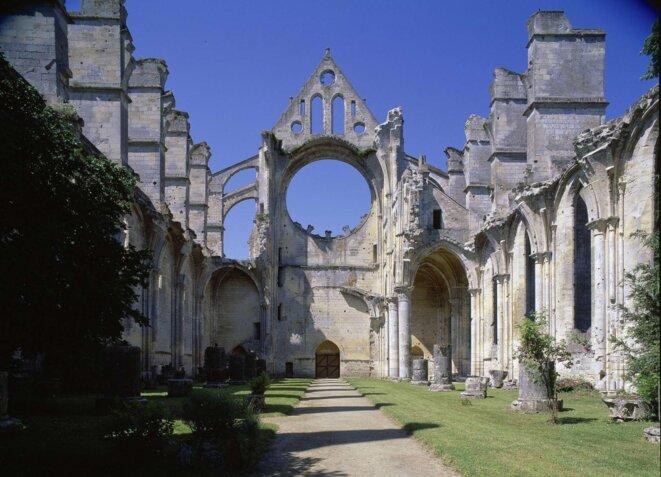 Ruines de l'Abbaye de Longpont