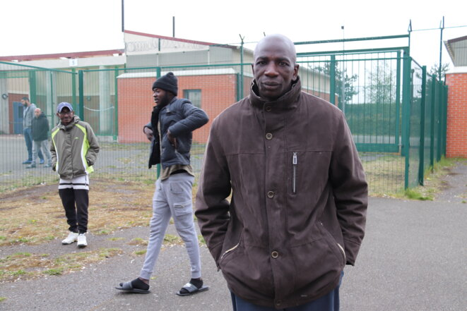 Abdoulaye, ivoirien, « en France depuis 2011 », en rétention « depuis cinq jours » quand on le rencontre.