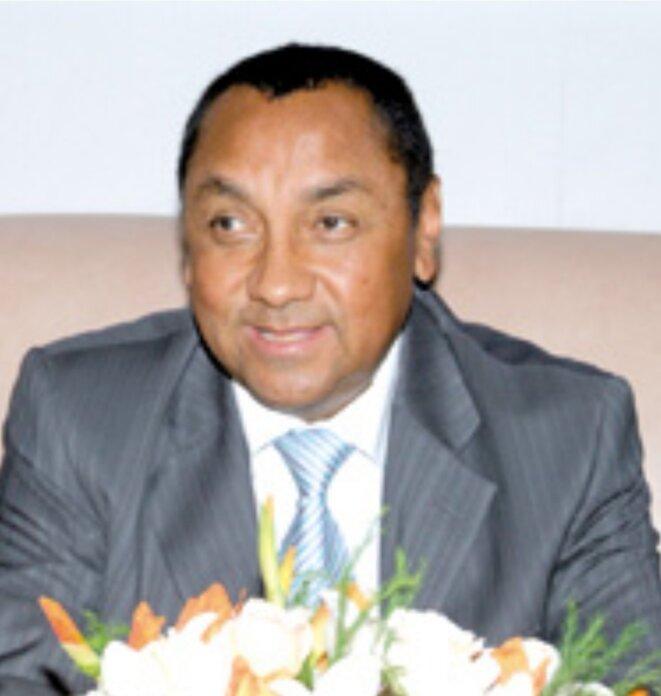 Tovonanahary Rabetsitonta, ex-ministre du Budget du feu professeur Albert Zafy, source et origine de la fortune immense de M.Ravatomanga. Les traces des dossiers de l'octroi du financement remboursable restent à ce jour introuvable. Aucun remboursement n'a été enregistré jusqu'à ce jour.