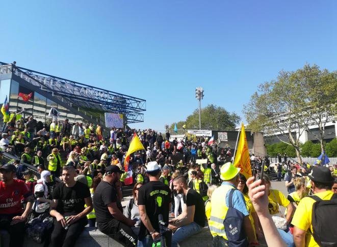 «Gilets jaunes»: «On n'entend pas le peuple, et tout à coup, on sort des millions pour la pierre»