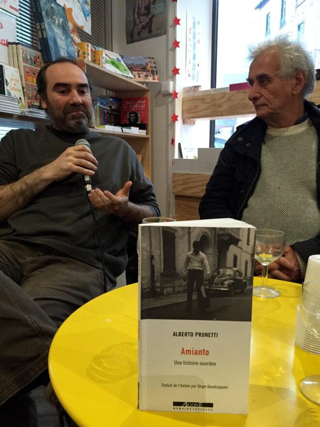 Alberto Prunetti et son traducteur Serge Quadruppani aux éditions Libertalia, Montreuil avril 2019. © Gilles Walusinski