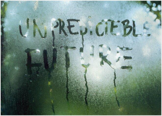 Mircea Cantor. Untitled (unpredicteble future), 2004 Caisson lumineux. 60 x 80 cm © Mircea Cantor / Courtesy de l'artiste
