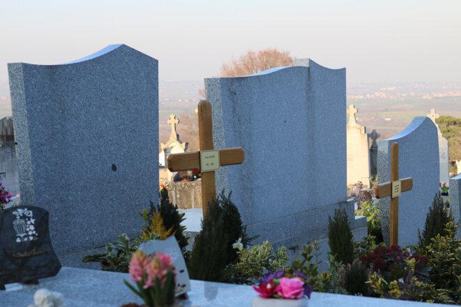 La dépouille de Sylvia Bouchet repose dans le cimetière de son village natal, dans la métropole de Lyon. © LD