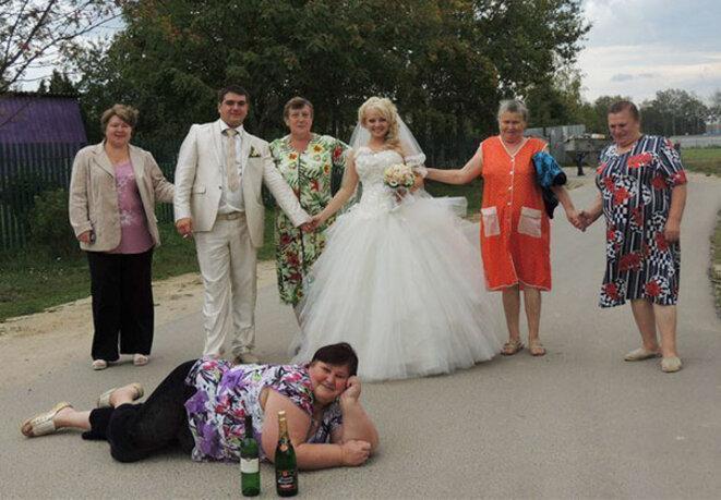 les-pires-photos-de-mariage-002-famille-de-pecno