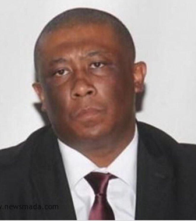 Herilaza.I, un des manipulateurs juristes et magistrats à la bourse de A.Rajoelina, apprenti influenceur d'opinions qui a perdu tout sens de l'objectivisme pour une cause ponctuelle.