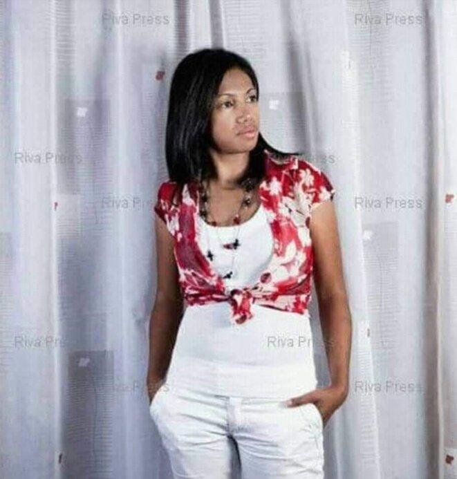 LR.Andriantongarivo, la nouvelle star du gouvernement  du Premier ministre N'tsay Christian, c'est une dame à tout faire qui n'hésite pas à se salir les mains, les arrestations politiques ici et là semblent être ses œuvres. Pour le paraître et bling bling et pour d'autres faits, elle sera du voyage avec A. Rajoelina à Paris, le 27 mai et certainement à l'Elysée.